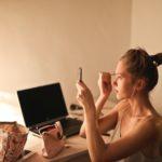 避免暗瘡粉刺大爆發變「爛面」!必學 5 個化妝清潔方法
